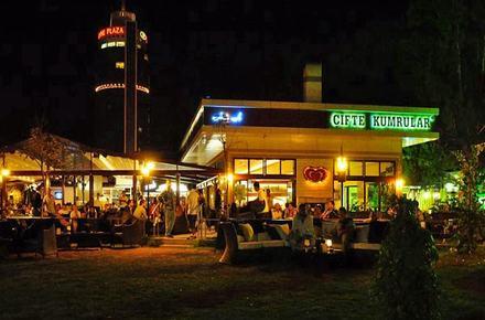 Çifte Kumrular Plus Restaurant / Balçova / İZMİR