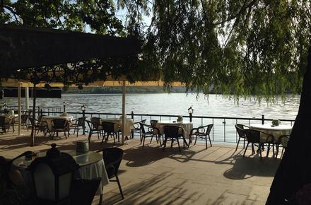 Orfoz Cafe & Restaurant